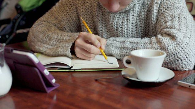 boy write