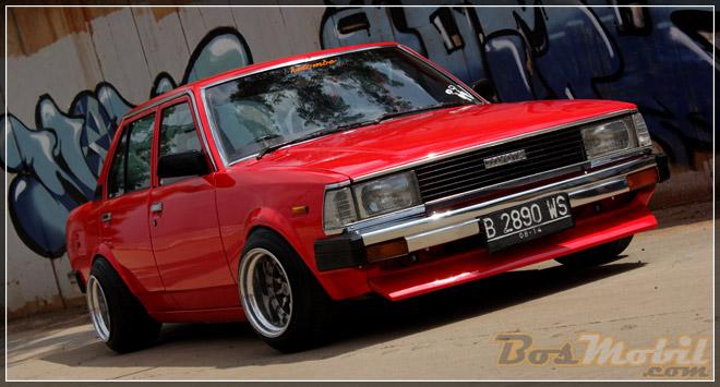 Toyota_Corolla_DX_Retro_02