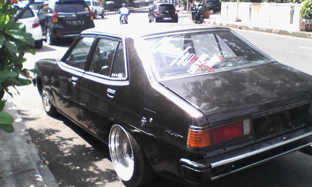 mobil klasik sedan mitsubishi galant sigma 1600 cc 1982 retro keren from bandung doel. Black Bedroom Furniture Sets. Home Design Ideas